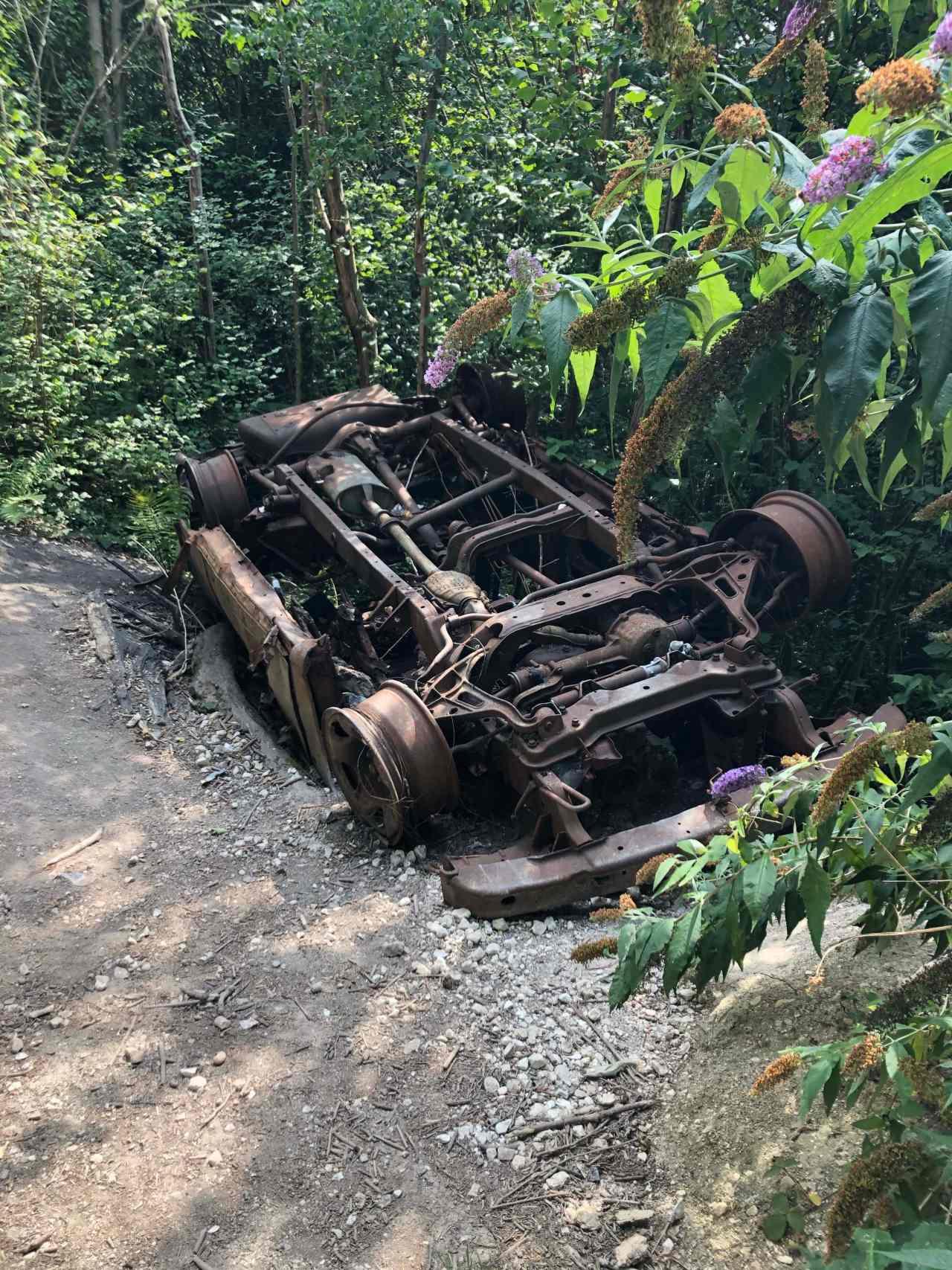 overturned car box hill hike
