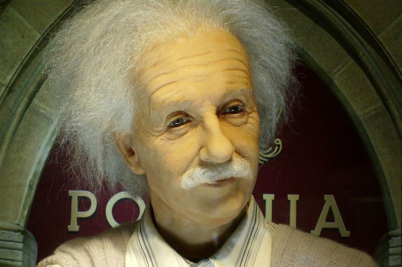 Einstein's Brownian Movements Hypothesis Challenged