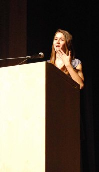 Dana Peck tells her story during the Sophomore Story Slam. photo by Jurnee Dunn.