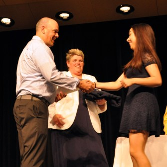 Luana Lima receives Academic Award for Math