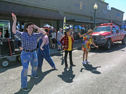 ACT1's Dancing Farmers entertained up and down Main Street.