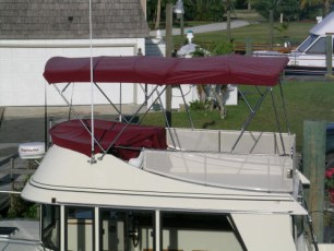 Full bimini with side windscreen and instrument cover
