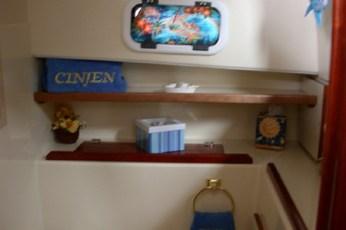 Additional shelf in head
