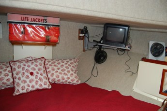 Tv in V-berth, additional shelf on anchor locker