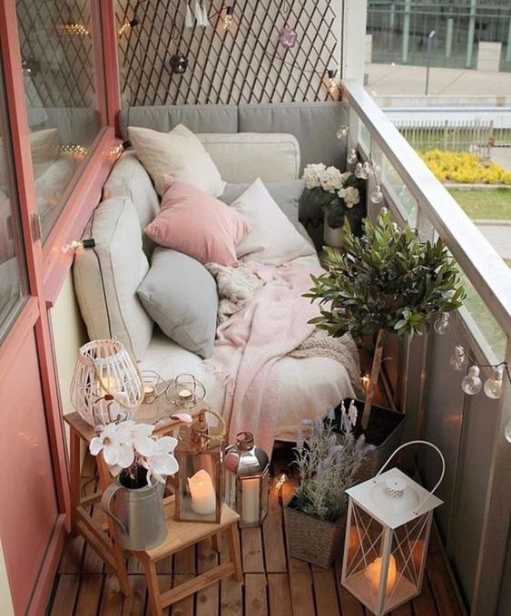 9 Ways To Decorate Your Apartment Balcony Small And