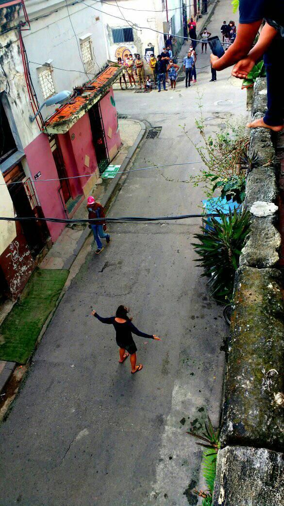 Retienen a la madre de Iliana Hernández en una patrulla por querer despedirse de su hija en huelga de hambre | Rialta