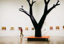 Dibujos de Yaimel López en la la exposición colectiva 'Vancouver Special: Disorientations and Echo' (2021); Vancouver Art Gallery (Foto: Cortesía del artista)