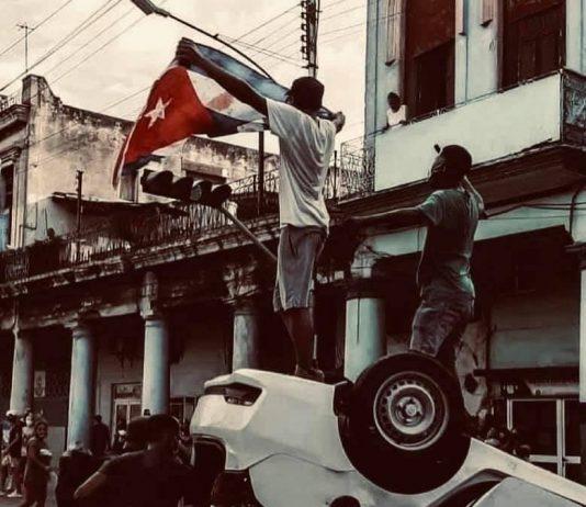Por primera vez en más de 60 años, este 11 de julio miles de personas se lanzaron a las calles en una veintena de poblados y ciudades en Cuba