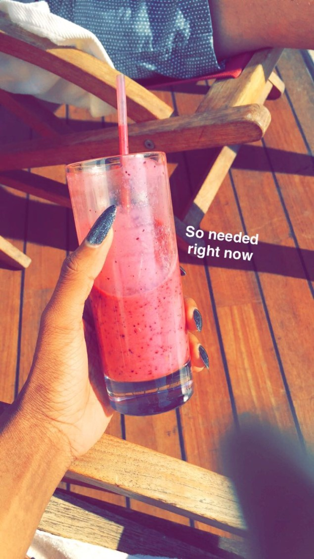 fresh-fruit-smoothie-life