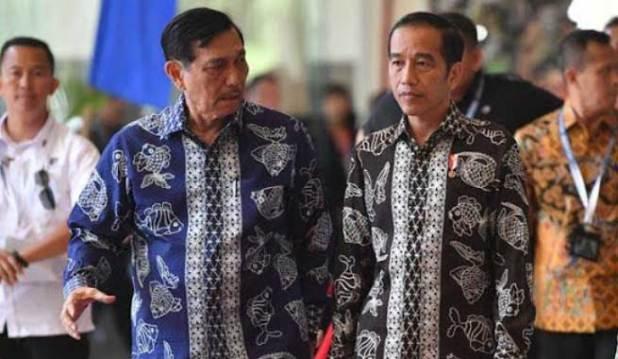 Presiden Joko Widodo bersama Luhut