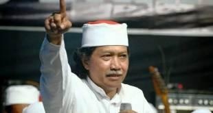 Muhammad Ainun Nadjib alias Cak Nun.
