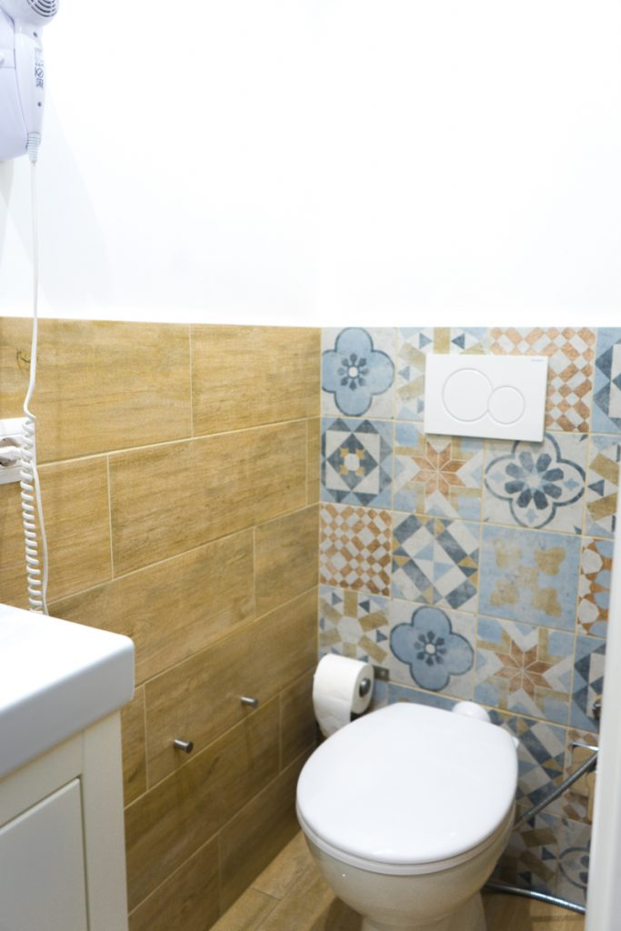 Alloggio - bathroom
