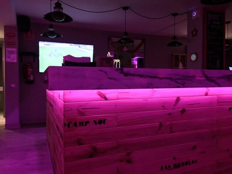 Yeah Barcelona - pink bar