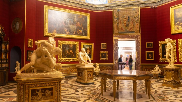 Inside Uffizi Gallery - Florence Italy