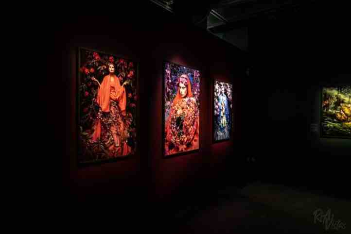 Kirsty Mitchell Wonderland red - Fotografiska Stockholm_RiA Vistas