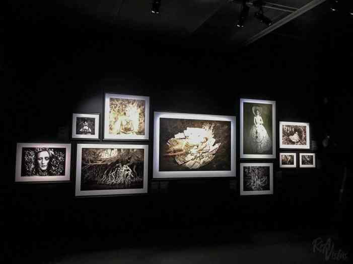 Kirsty Mitchell Wonderland white - Fotografiska Stockholm_RiA Vistas