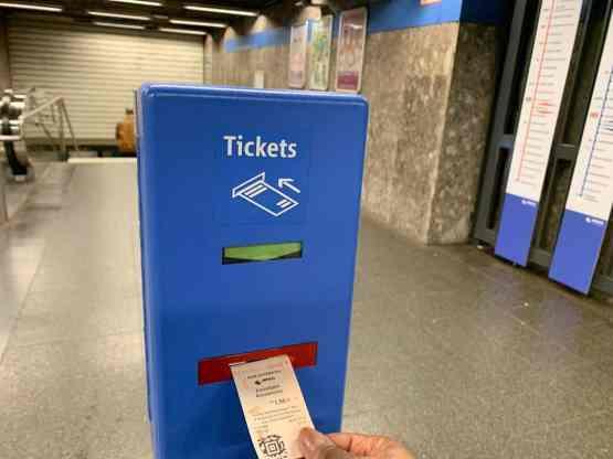 U Bahn ticket validation machine