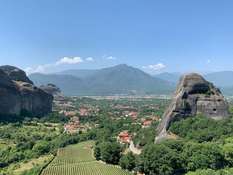 Beautiful Holy Meteora - RiA Vistas