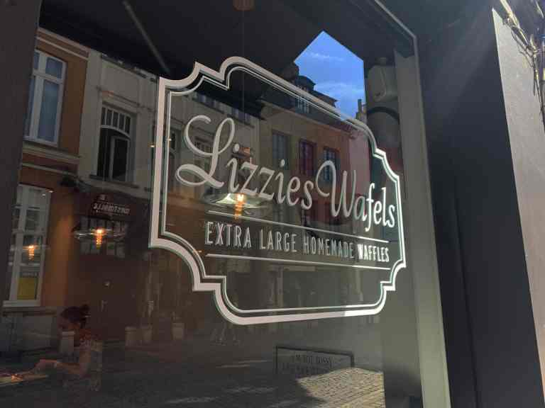 Stopping by Lizzie's Wafels in Bruges