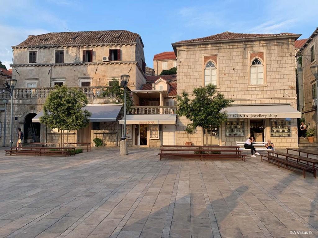 Cavat Town