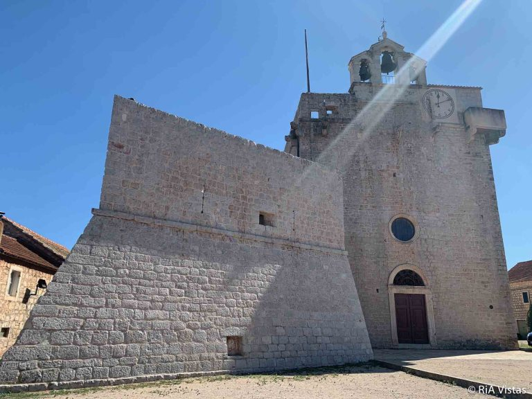 Visit the Fortress-Church of Saint Mary