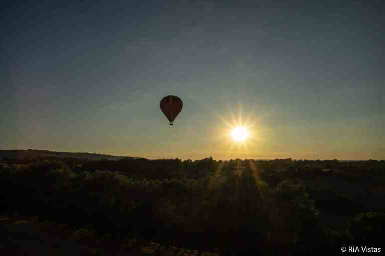 Descent at sunset with Baileys Balloons