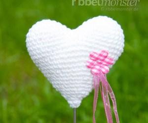 kostenlose Anleitung - Amigurumi - Herz Blumenspieß