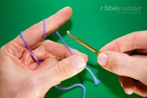 Anfangsschlaufe - Laufknoten mit der Häkelnadel machen - 2