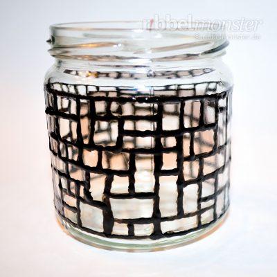 Weihnachtliches Mosaik Windlicht basteln - kostenlose Bastelanleitung