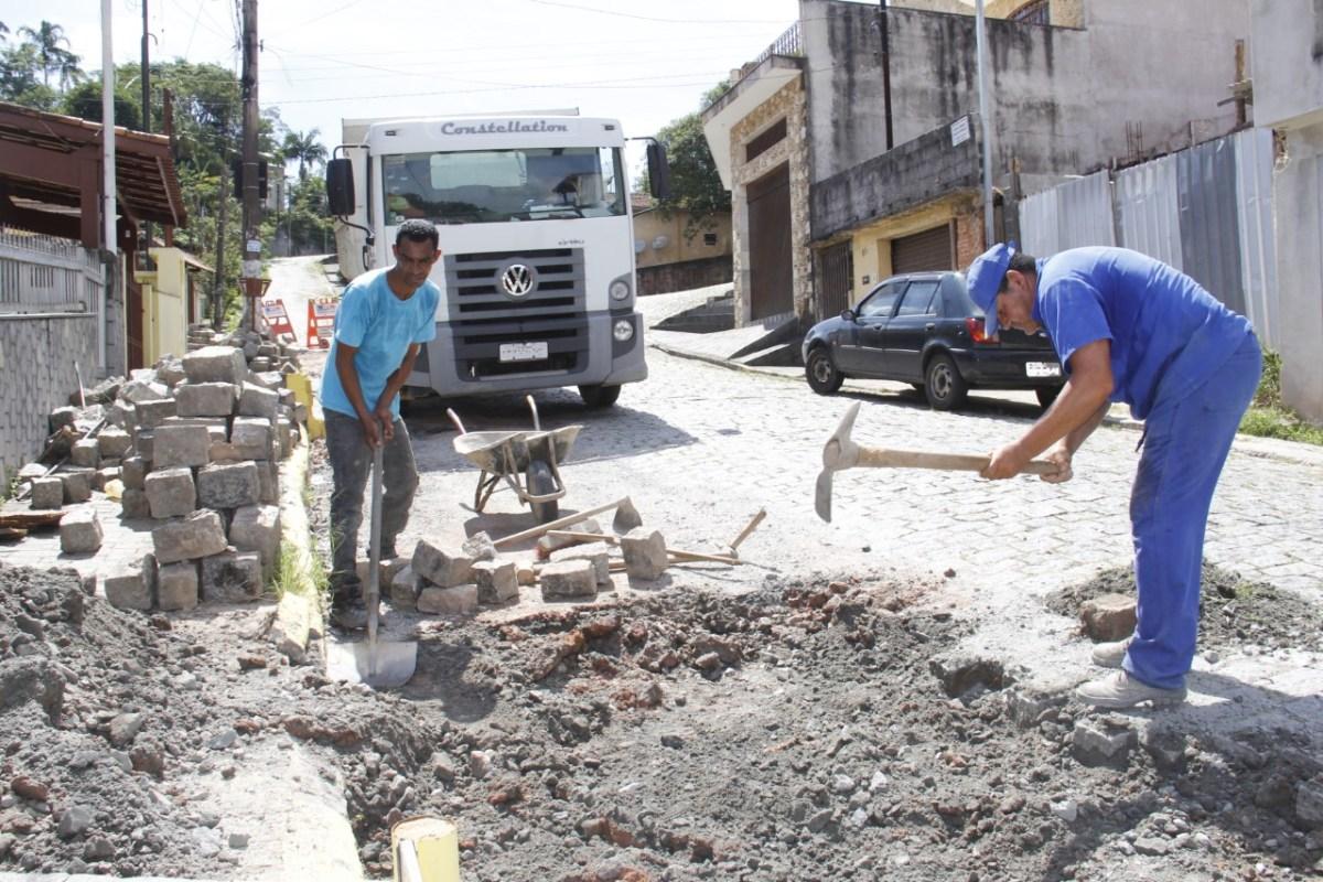 Infraestrutura de Ribeirão Pires reforça ações de manutenção nas vias
