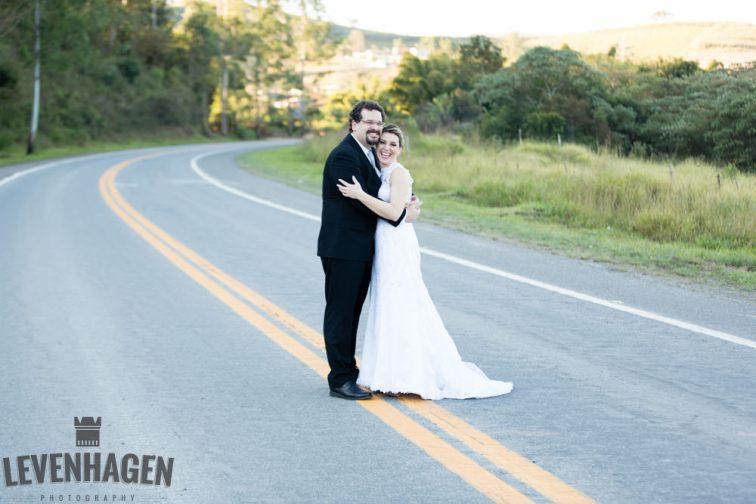 Ensaio de Luiz Paulo e Juliana---20160618--165ricardo-levenhagen-um-amor-quilometros-de-distancia-e-um-onibus-para-aproximar- Um amor quilômetros de distancia e um ônibus para aproximar