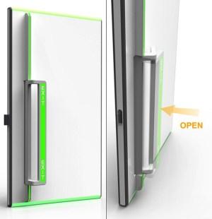 porta de saída de emergência acessível - A porta com sistema de abertura para fora, facilita em caso de pânico e também na questão da acessibilidade