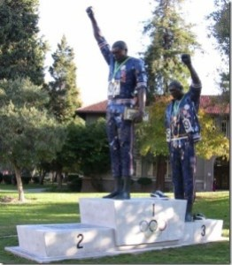 tommie-smith-john-carlos-san-jos-state-university-statue2a-thumb