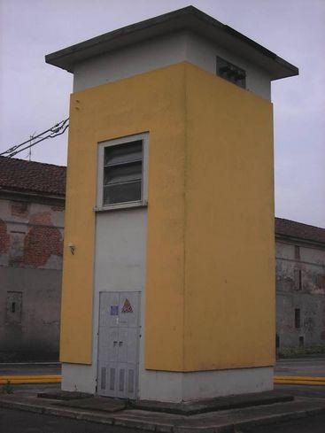 cabina enel - circa 3x8 m - stato originale angolo sud-ovest