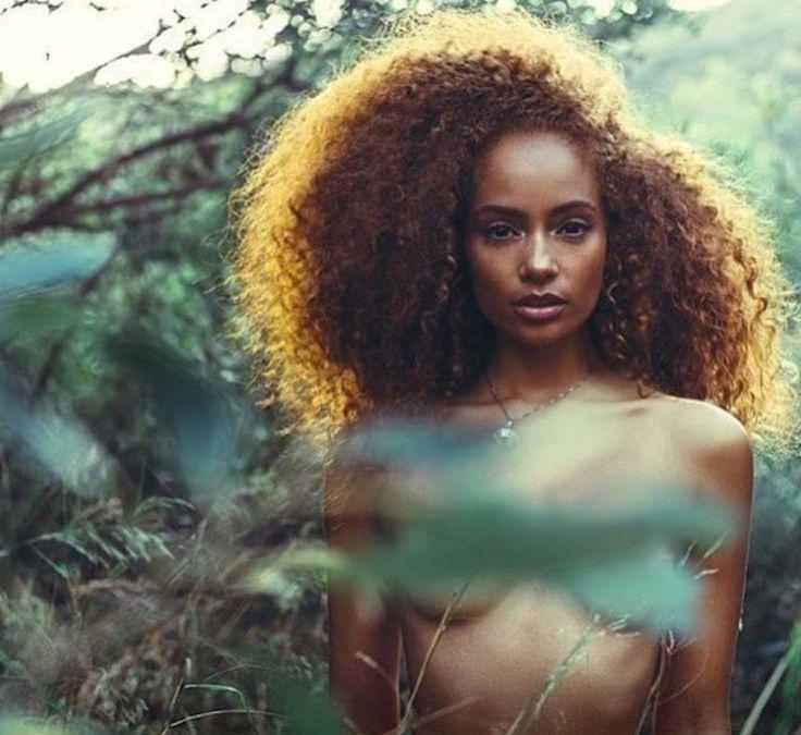 Gel d'aloe: un prodotto naturale e versatile per capelli ricci