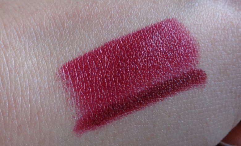 Vera NARS Review Swatch