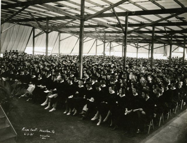 Commencement 1935 crowd