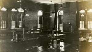 Physics Lab Ricker c1914