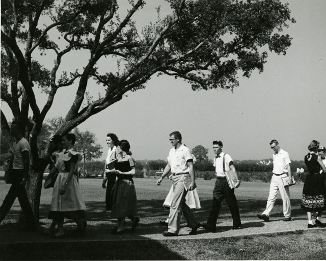 1954 students between classes