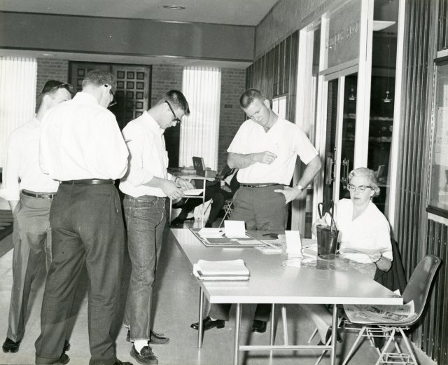 campus-store-rmc-nd-but-60s-139