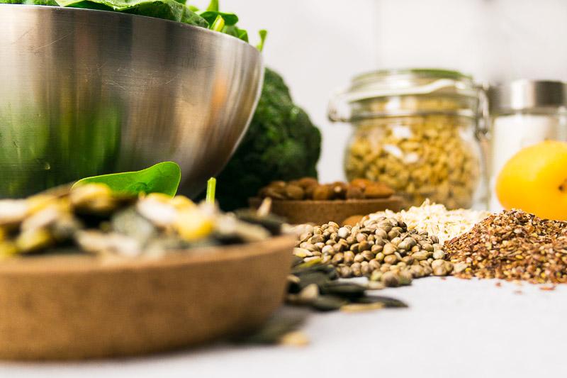 Vegane Ernährung: Welche Nährstoffe sind die wichtigsten und sollten auf keinen Fall in deiner Diät fehlen? Alles über Vitamin B12, Eisen, Jod und Co. | Ricemilkmaid Blog
