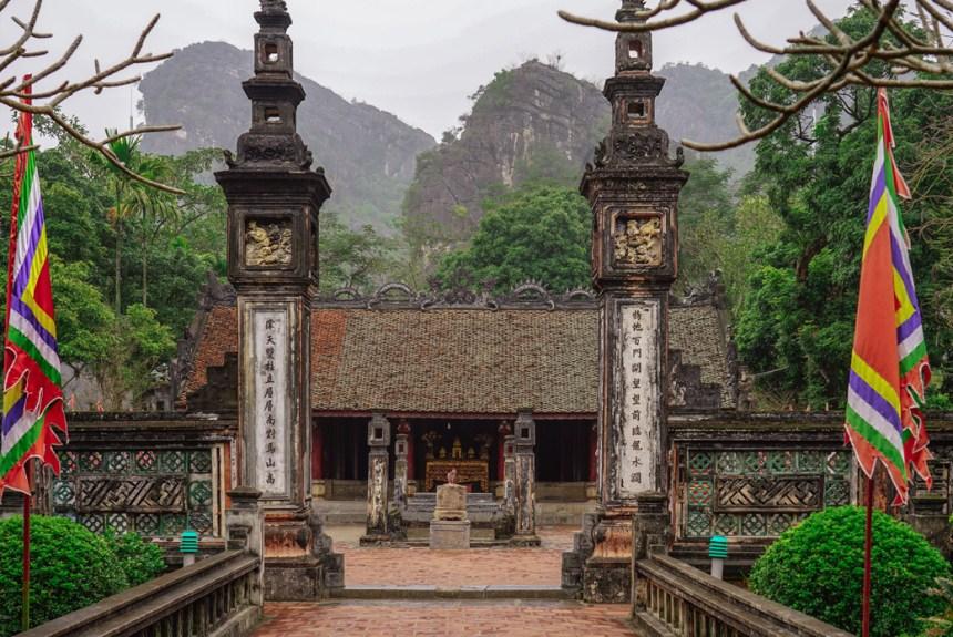 Hoa Lu tour