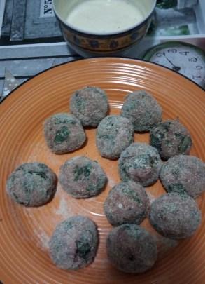 Polpettine di manzo con bieta e pinoli - polpette-prep-3