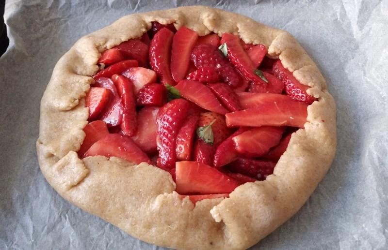 Galette alle fragole o crostata rustica senza burro - galette-fragole-prep-2