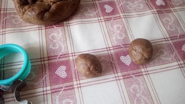Ricetta lebkuchen biscotti speziati di Natale - prep-2-lebkuchen