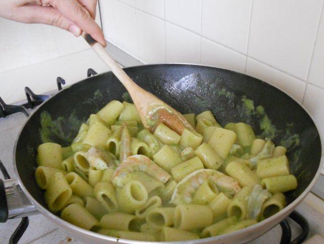 10_pasta_zucchine_e_mazzancolle