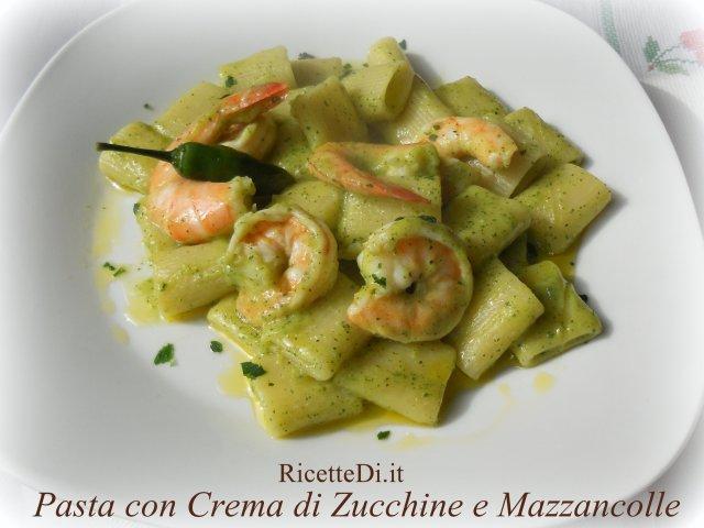 11_pasta_zucchine_e_mazzancolle