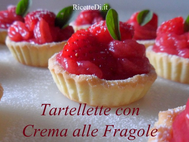 01_tartellette_con_crema_alle_fragole