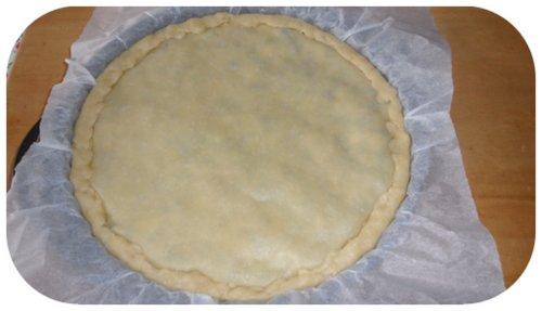ricoprire il tortino con la seconda sfoglia di pasta brise