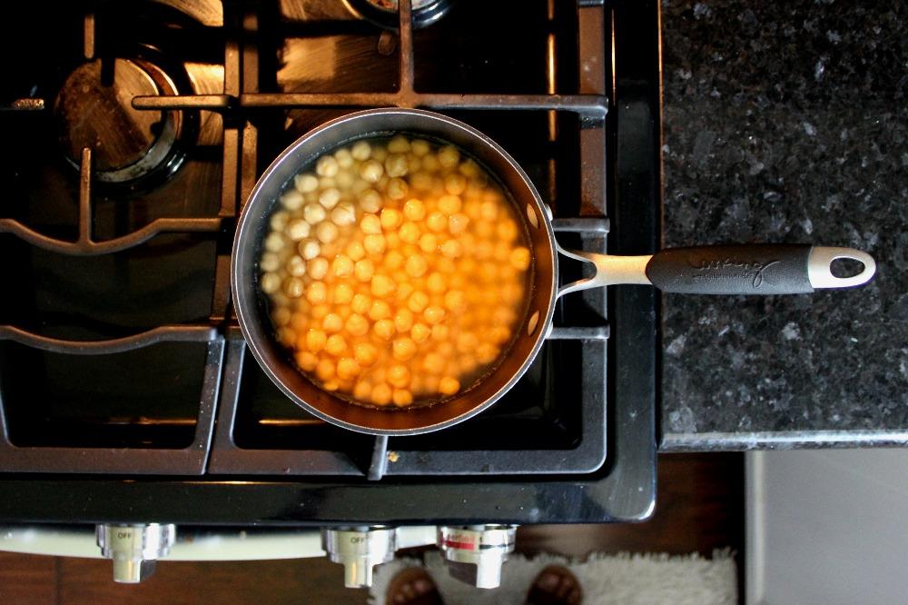 Easy Homemade Hummus 3